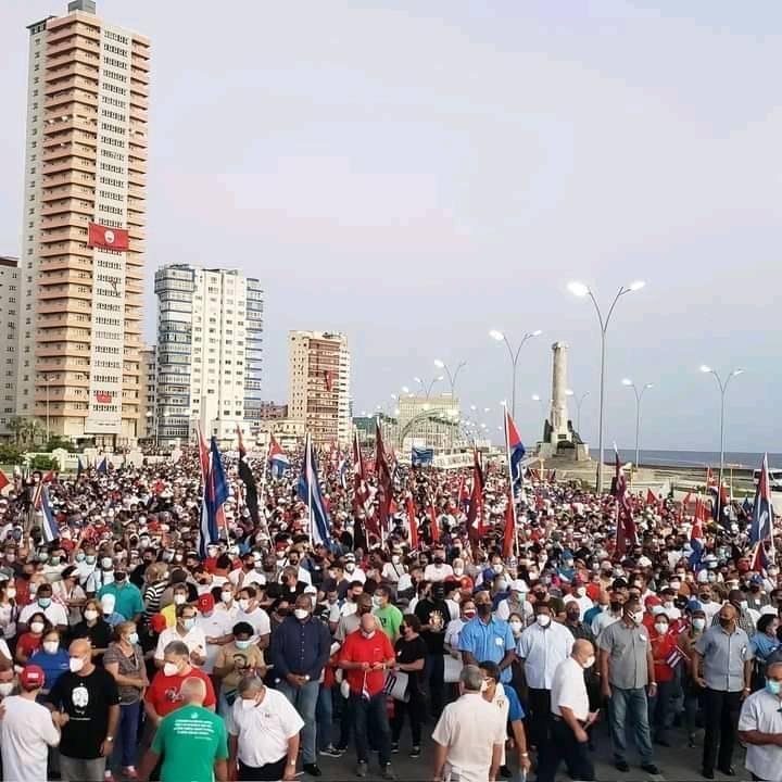 Gusanos e Popolo Cubano